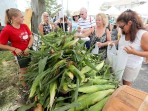 Farmers markets fulfill economic, social needs during summer   The Sea...