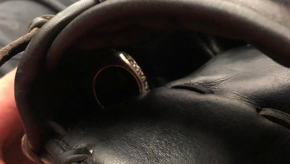 Tony La Russa lost World Series ring in Joe Kelly's glove