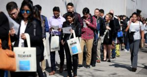 US weekly jobless claims total 218,000, vs 220,000 expected