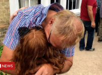 Girl, 7, travels from US to UK to surprise grandad