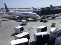 United, Delta Climb on Business-Class Demand
