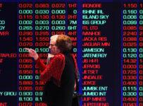 Markets keep November roll going