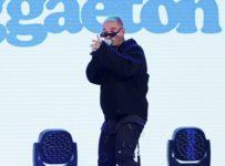 J Balvin Gives Dynamic 'Reggaeton' Performance on 'The Tonight Show' -...
