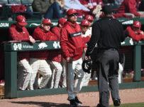 Arkansas blows out Louisiana Tech in rubber match