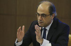 Mideast economies face volatile politics, oil prices