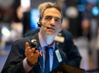 U.S. Stocks Wobble on Mixed Earnings