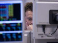 European stocks slide amid trade war, political worries