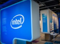 Intel Guidance Clips Shares as Chipmaker Faces AMD Challenge in Key Ma...
