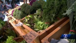 """""""Gather"""" mobile kitchen brings people, farmers markets together"""