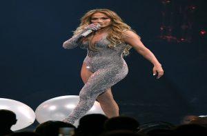 Jennifer Lopez gives USWNT's Carli Lloyd a lap dance: Watch