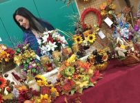 OLCHS PTSA and Oak Lawn Chamber present the annual holiday craft fair and business showcase Saturday, Oct. 19.