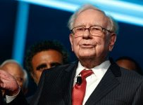 Berkshire's Buffett loses top real estate agent to top rival