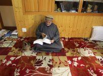 In Kashmir, internet shutdown following Article 370 abrogation rekindles reading culture
