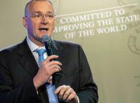 EU science chief resigns with blast at coronavirus response