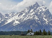 In Wyoming, a Covid surge, a struggling energy economy and thriving ha...